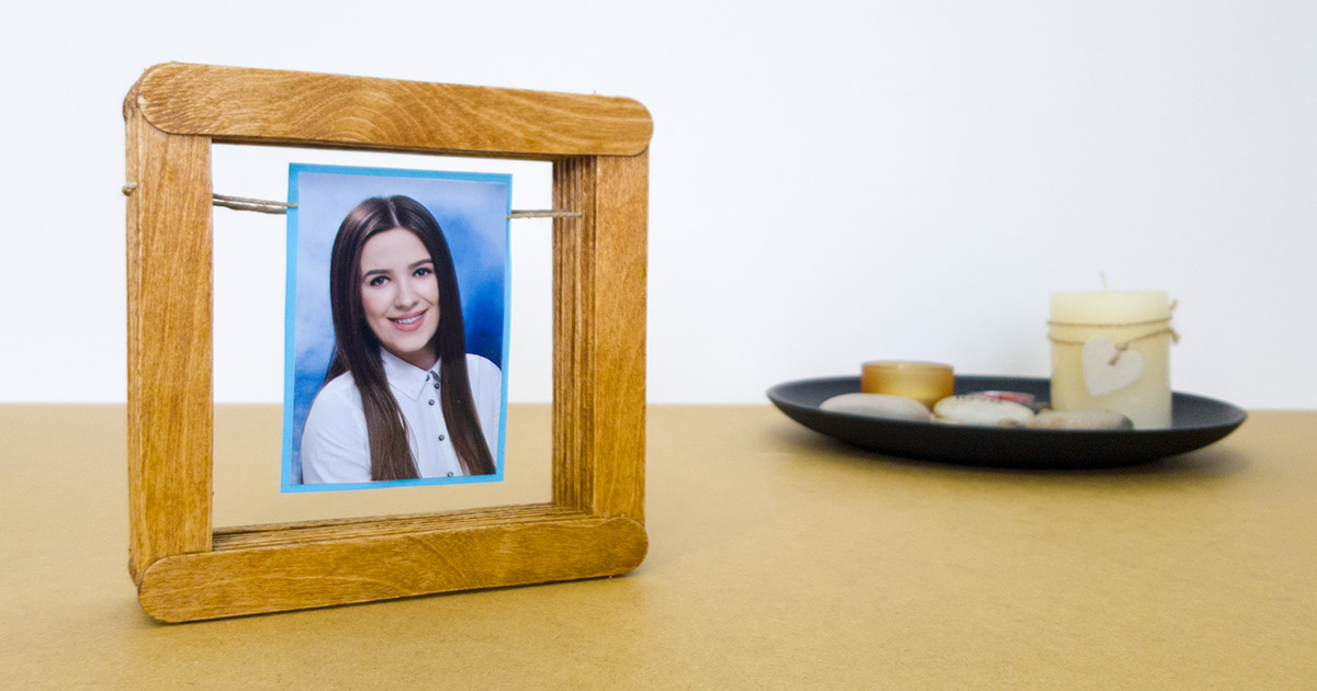 Simple Diy Picture Frame Using Popsicle Sticks