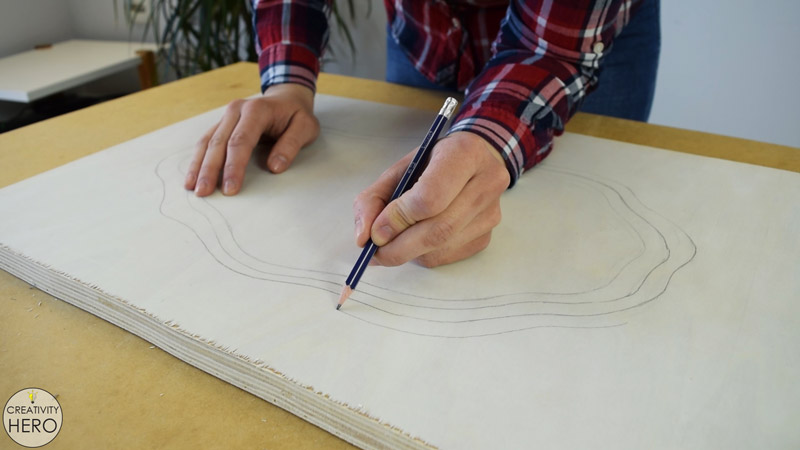 Making a Layered Plywood Wall Clock with a Tree Ring Shape 3 - Drawing the tree ring shape